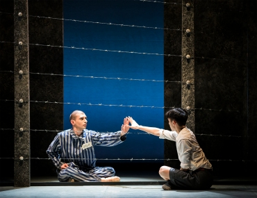 Matthew Koon as Bruno and Filippo Di Vilio as Shmuel in The Boy in the Striped Pyjamas. Photo Emma Kauldhar (3)