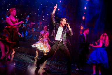 Alastair Hill (c) and the cast of Dreamboats and Petticoats 2017 UK Tour. Photo by Pamela Raith Photography 054