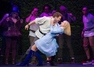 Kerry Ellis Stephen Webb - Wonderland UK Tour - Theatress Review