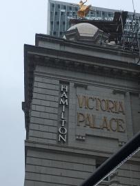 Review Hamilton London - Theatress 2
