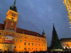 warsaw christmas markets - travel blog - theatress 3